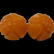 Vintage BAKELITE Carved Caramel Screwback Earrings