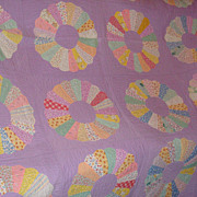 SALE Hand Pieced Hand Quilted Dresden Plate Quilt Wonderful Old Fabrics!