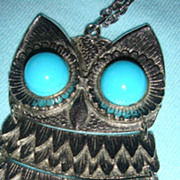 SALE Big & Bold Mechanical Hoot Owl Necklace With Large Daisy & Faux Turquoise Cabochon Eyes K