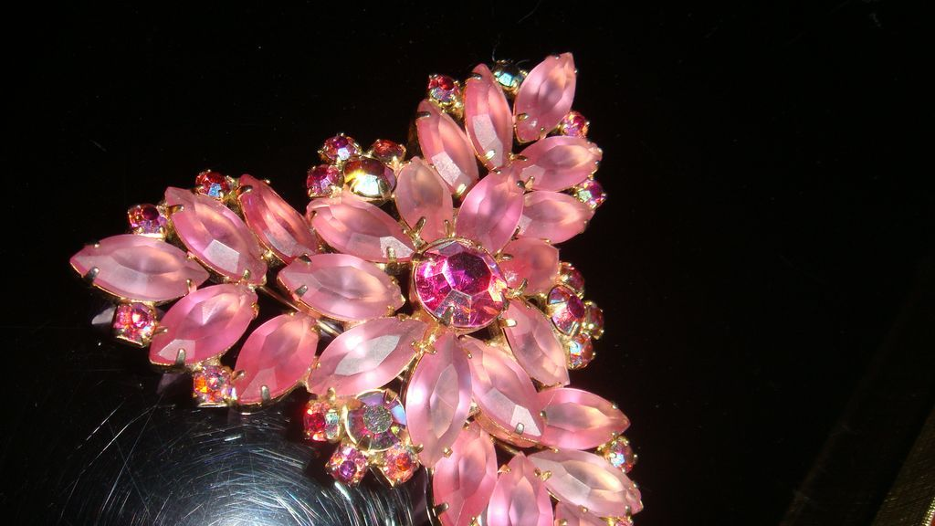 Large Brooch Or Victorian Colors Christmas Tree Pin Pink