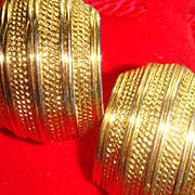 SALE Vintage Shiny & Textured Gold Tone NAPIER Comfort Screw Clip Earrings