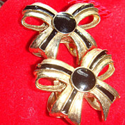 Black Enameled Musi Shoe Clips Vintage Retro Gold Tone