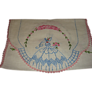 SALE Southern Belle Vintage Table Runner or Piano Scarf Embroidery and Tatting