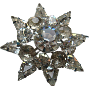 Coro 8 Pointed Starburst Dimensional Clear Rhinestone Brooch Prong Set