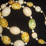 SALE Chunky Plastic Lucite Beaded Necklace Smooth and Carved Beads