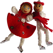 Pipe Cleaner Skating Couple