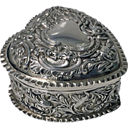 Top Quality William Comyns 1893 Silver Heart Box