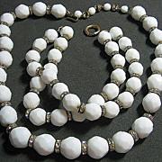 SALE Vintage Milk Glass White Facetted & Rondel Beaded Necklace/Bracelet SET