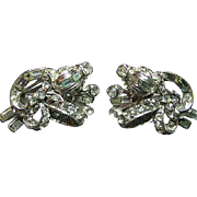 SALE Stunning Vintage Signed Hollycraft Clear Baguettes & Rounds Rhinestone Silver Tone Clip .