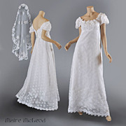 Vntg Priscilla of Boston 1960's Wedding Gown w / Veil  S-M