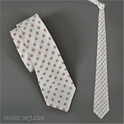 1950's Men's White / Burgundy Tie   2-3/4""