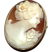 SALE Vintage 10k Solid Yellow Gold Shell Carved Cameo Pin