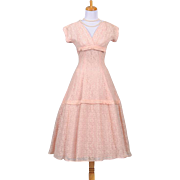 Vintage 1950s Pink Floral Lace Cocktail Dress with Capped Sleeves and v-cut Neckline