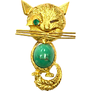 Vintage 1960s Winking Novelty Kitty Cat Brooch of 18 Karat Yellow Gold, Turquoise and Emerald