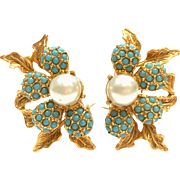 Vintage 1960s unsigned gold tone turquoise and faux pearl flower bead clip on climber earrings