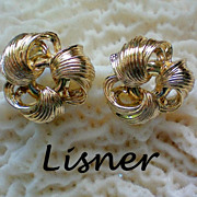 SALE Lisner Gold Love Knot Earrings