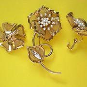 SALE Wire Mesh & Faux Pearl Floral Demi