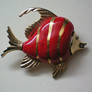 SALE Porcelain and Metal Angel Fish Pin