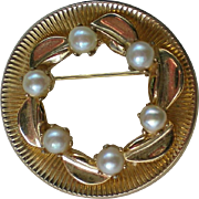 REDUCED Cultured Pearl Gold tone Circle Brooch