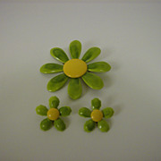 Enamel Brooch and Clip On Earrings ~ Daisy