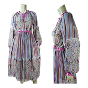 1970's Vintage Gauzy Printed Cotton Indian Dress Tagged Size Large