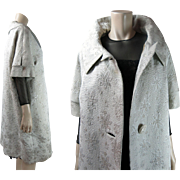 Chic 1960's Vintage Silver Brocade Evening Coat In Larger Size With Sara Gowns, New York, Labe