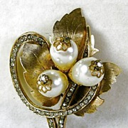 Signed Hattie Carnegie Vintage Rhinestone, Faux Pearl, and Leaf Swirl Brooch – Beautiful!