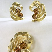 SALE Lisner Vintage Gold Tone and Topaz Rhinestone Pin with Clip Earrings