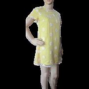 SALE Flower Child 1960 Era Mini Dress in Yellow Daisies Gay Gibson Size 7