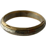 Mens 14K Yellow & White Gold Band Incised Pattern Sz 9