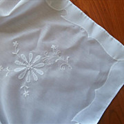 Madeira Appliqued Embroidered Tablecloth Vintage 1960s Easy Care