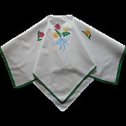 Tea Tablecloth Appliqued Flowers Bow Vintage Linen Green Trim