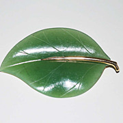 Vintage 14K Gold and Jade Leaf Pin