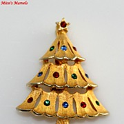 SALE Festive Signed JJ Rhinestone Christmas Tree Brooch Pin