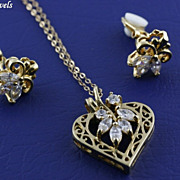 SALE Vintage Heart Shaped Clear Shimmering Rhinestone Pendant Necklace and Earring Set ~ Demi