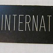 KIWI International Airlines Sign