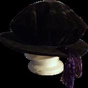 University of London 'Dons Hat'