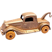 1930s Tootsietoy Tow Truck with Wooden Wheels