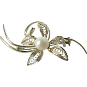 SALE Vintage Elegant Cultured Pearl & Filigree Flower Pin Brooch