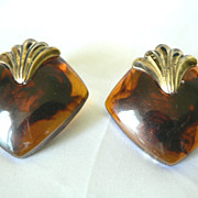 Gorgeous 1960s Vintage Rootbeer Swirl Lucite Deco Style Clip Earrings