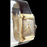 Man's Bulova 1940s Wrist Watch With Unusual Lugs