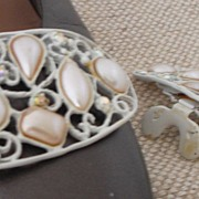 MUSI Oval Shoe Clip with Faux Pearls