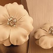 Bone Leather Flower MUSI Shoe Clip with Rhinestone Center