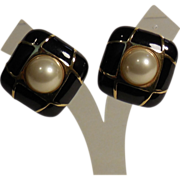 Large Ciner Rounded Square Faux Pearl Black Enamel Clip Earrings