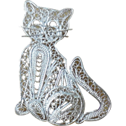 VINTAGE Sterling Silver Modernist Filigree Sitting Cat Pin / Brooch