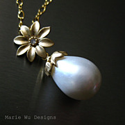 SALE South Seas Shell Pearl Blossom Pendant-14k Gold Fill Necklace