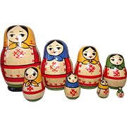 8 piece Wooden Stacking Nesting Doll Set Russian Peasant Vintage