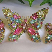 Gorgeous Vintage Pastel Weiss Brooch/Earrings Demi
