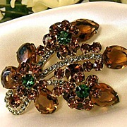 REDUCED Vintage Dimensional D&E/Juliana Brooch!