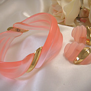 Lovely Salmon-Color Lucite Bracelet & Earrings/Demi